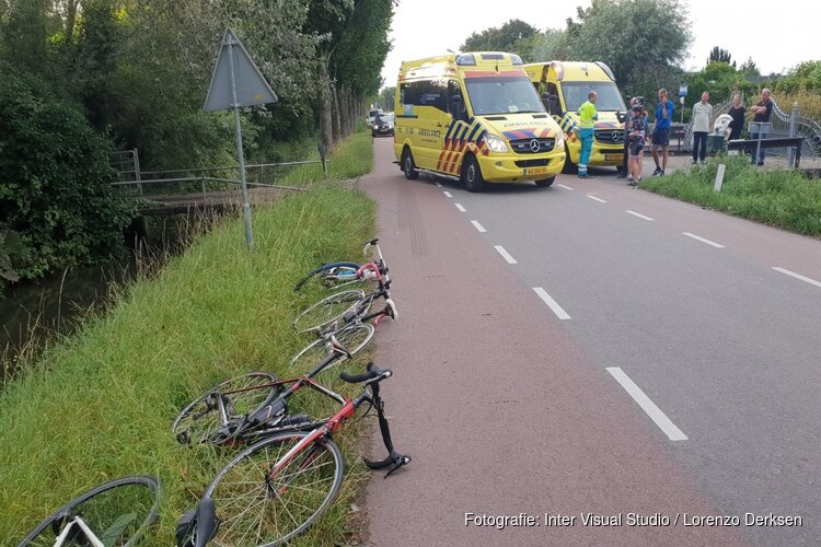 Twee wielrenners gewond bij val