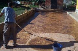 Onkruidvrije bestrating van beton gemaakt