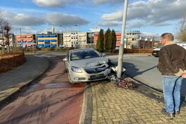Automobilist moet uitwijken voor fietser in Wormer